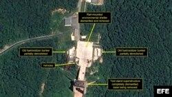 Imagen satelital del 22 de julio de 2018, cedida por Airbus Defence and Space y 38 North, muestra las instalaciones clave que presuntamente se desmantelaron en la Estación de Lanzamiento de Satélites Sohae.