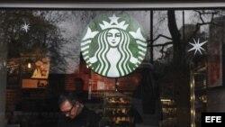 Un establecimiento de la cadena de cafeterías Starbucks en Londres (Reino Unido).