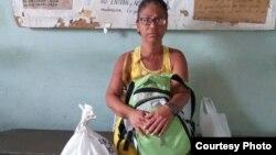 Lucinda González, en unas de las ocasiones en que ha ido a visitar a Silverio Portal a prisión, y no le han permitido verlo.