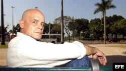 """ARCHIVO. El escritor cubano, Pedro Juan Gutiérrez, autor de """"Trilogía sucia de Habana""""."""