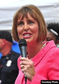 Kathy Castor, representante por Tampa.