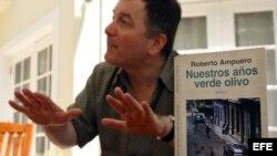 El escritor y nuevo canciller chileno, Roberto Ampuero.
