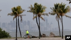 Lluvias intensas en Sur de Florida. (AP Photo/Lynne Sladky)