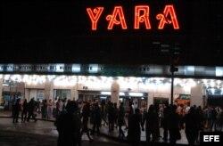 El cine Yara, en la esquina de 23 y L, en El Vedado, Ciudad Habana.