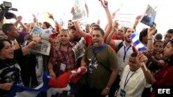 Parte de las protestas contra activistas cubanos en la Cumbre de Panamá.