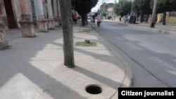 Reporta Cuba. Peligro al caminar por las calles. Foto: D de la Celda.