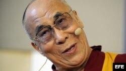 El Dalái Lama, el líder espiritual tibetano, asiste a la 16 edición de la conferencia internacional Forum 2000 en Praga (República Checa).