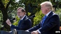 El presidente de Estados Unidos, Donald Trump (d), y el presidente del Gobierno español, Mariano Rajoy (i), ofrecen una rueda de prensa tras la reunión que han mantenido hoy, martes 26 de septiembre de 2017, en la Casa Blanca, en Washington, DC (EE.UU.).