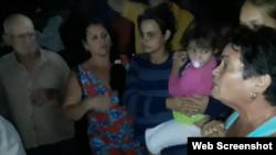 Protesta en Carlos Rojas. (Captura de video/Facebook)