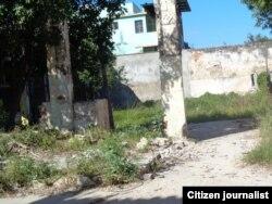 Reporta Cuba. Edificio derrumbado, en Bejucal. Foto: Misael Aguilar.