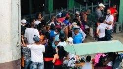 Cubanos señalan al gobierno por situación caótica en medio de la pandemia