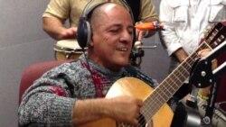 Lázaro Reutilio felicita a Celina González por su cumpleaños