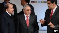 Daniel Ortega, Raúl Castro y Nicolás Maduro, durante la cumbre del ALBA en marzo de 2018. (Archivo)