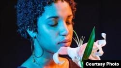 Poster dedicado a la mujer afrodescendiente. Tomado de la página de Facebook de Juan Antonio Madrazo.