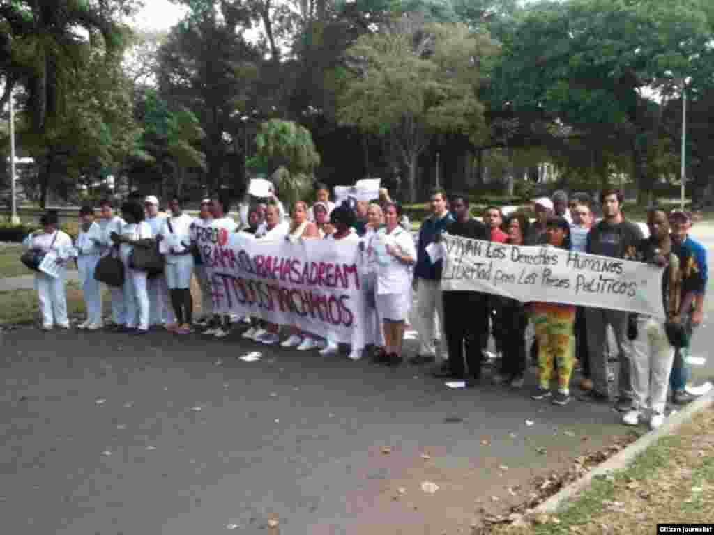 Activistas de DDHH y Damas de Blanco participan en la jornada 44 de #TodosMarchamos.