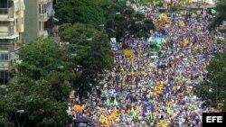 Anuncio del candidato Capriles provoca reacciones en Venezuela