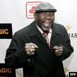 Foto de archivo. El ex campeón de boxeo de los pesos medianos y welter Emile Griffith asiste al estreno de la película Black Magic el 25 de febrero de 2008, en el teatro Apollo, en Nueva York (EEUU).
