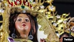 Detalle de una estatuilla de la Virgen de la Caridad del Cobre, Patrona de Cuba.