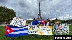 Manifestantes en París en la convocatoria a la Revolución de los Girasoles.