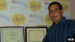 Liberan a activista Lilvio Fernández y habla con Radio Martí