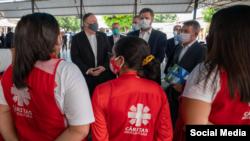 Pompeo visita a refugiados de Venezuela en Brasil