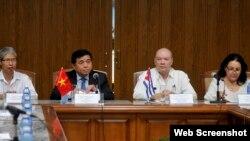 Seminario de Comercio e Inversión Cuba- Vietnam, en el salón de Protocolo del MINCEX, en La Habana.