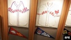 Foto de abril 8 de 2005. La exposición titulada 'Tiempo de Grandeza' presentó recuerdos de la colección de las Ligas Negras y fue exhibida en 25 estadios y lugares históricos en EEUU. EFE/Matthew Cavanaugh