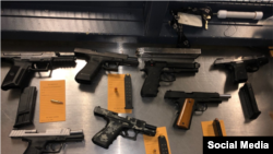 Armas confiscadas por la policía en Chicago