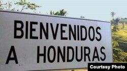Cartel del paso fronterizo a Honduras.