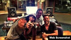 En la foto de izq, a der. Yotuel Romero, Antonio Rayo y Ricky Martin.