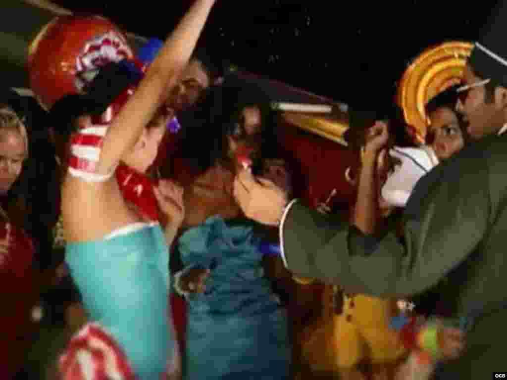 """El régimen de Cuba prepara """"plan mordaza"""" contra el Reggeaton y otras expresiones musicales"""