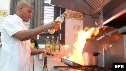 Chef Michael Alejandro Calvo Oviedo, del restaurante Atelier.