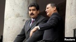 Rafael Correa y Nicolás Maduro en Quito en septiembre de 2015. REUTERS/Byron Gallardo