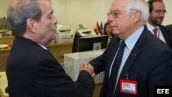 El ministro de Asuntos Exteriores Josep Borrell y el viceministro de Relaciones Exteriores de Cuba Abelardo Moreno, durante la reunión UE-CELAC.