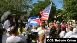 Cubanos exiliados reclaman derechos de reunificación familiar