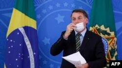 El presidente brasileño, Jair Bolsonaro, entre los cinco presidentes de la región participantes en el cónclave del clima.