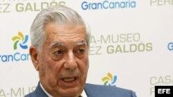 El premio Nobel de Literatura Mario Vargas Llosa durante la conferencia de prensa
