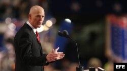 El gobernador de Florida Rick Scott.