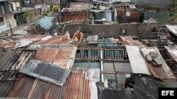 Unas 75 mil personas habrían perdido sus hogares en Cuba a causa de Sandy, según el Wall Street Journal.