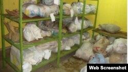 Droga incautada en Cuba, en un depósito del gobierno.