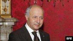 Ministro de Asuntos Exteriores francés visita Cuba