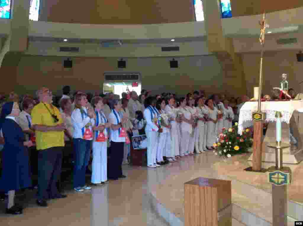 Misa en la Ermita de la Caridad.