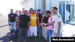 La noticia de los cubanos capturados Sister Islands fue publicada en el Cayman Compass.