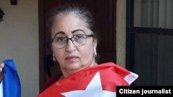 La comunicadora cubana Miriam Celaya desea viajar al exterior, pero el gobierno de Cuba se lo prohíbe. (Imagen tomada de su perfil en Facebook).