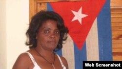 Continúa en estación de policía de Cojímar la Dama de Blanco Rosario Morales