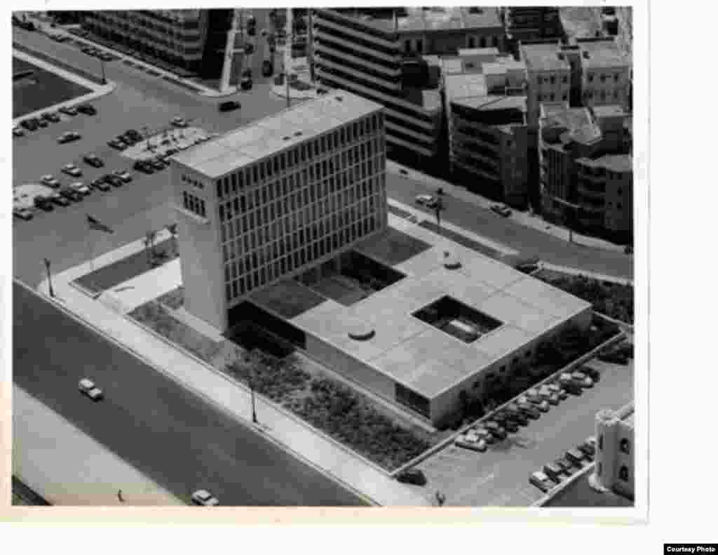 La embajada tal y como se inaguró en 1953.