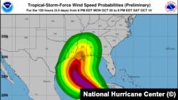 Proyección de la tormenta tropical Delta, del Centro Nacional de Huracanes, con sede en Miami, Florida.
