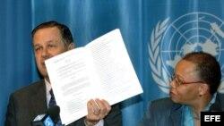 El presidente de la Conferencia Internacional del Trabajo (OIT-ONU), el francés Jean-Marc Schindler, y la directora del departamento de Normas Internacionales de la OIT, Cleopatra Doumbia-Henry.