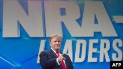 el presidente de EEUU, Donald Trump, durante su discurso ante la Asociación Nacional del Rifle, el pasado 26 de abril.