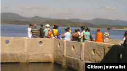 Reporta Cuba Embarcadero Santiago de Cuba a Cayo Granma Foto Amado Torres.